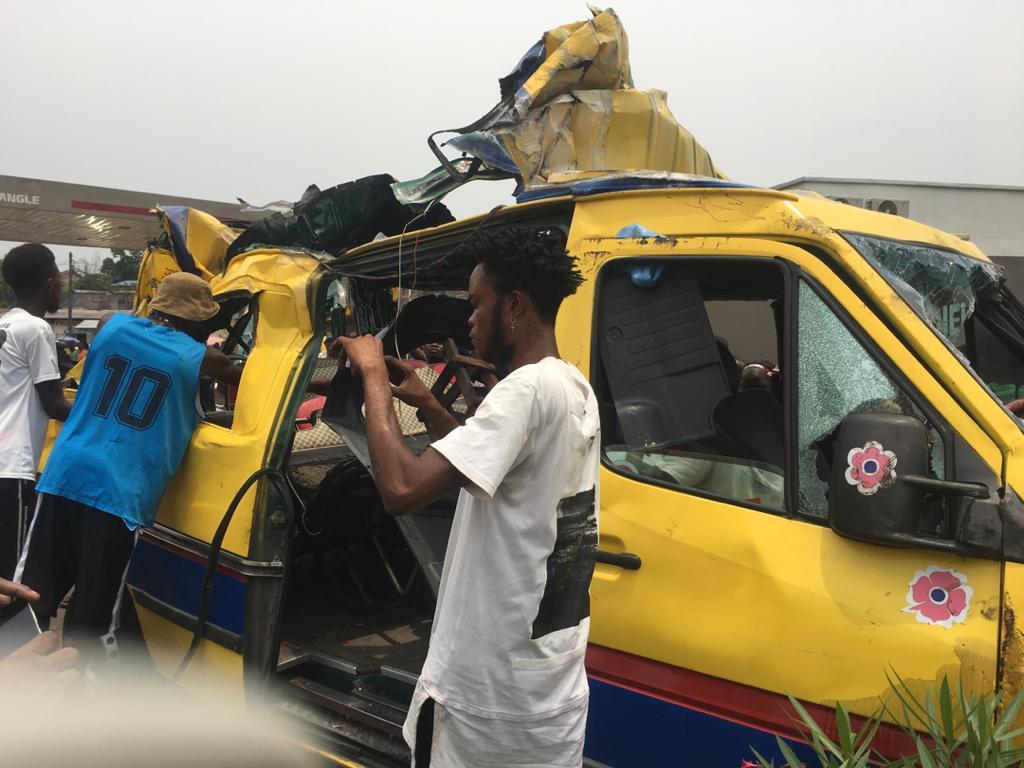 Kinshasa : plusieurs morts dans un accident de circulation vers  triangle à rond-point Ngaba