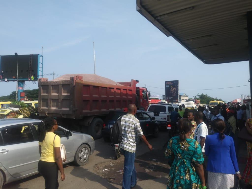 Kinshasa-Hausse du prix de transport: les chauffeurs de taxi se justifient