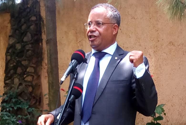 RDC: Jean Claude Muyambo annonce une plainte contre Kalev Mutond