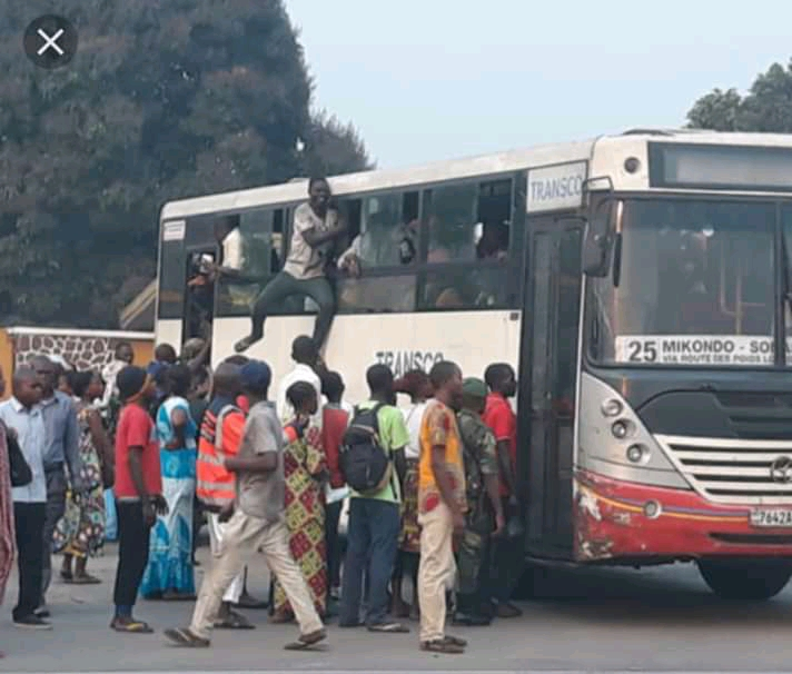 Lutte contre le covid-19 à Kinshasa: les chauffeurs bafouent les mesures de l'hôtel de ville (Constat)
