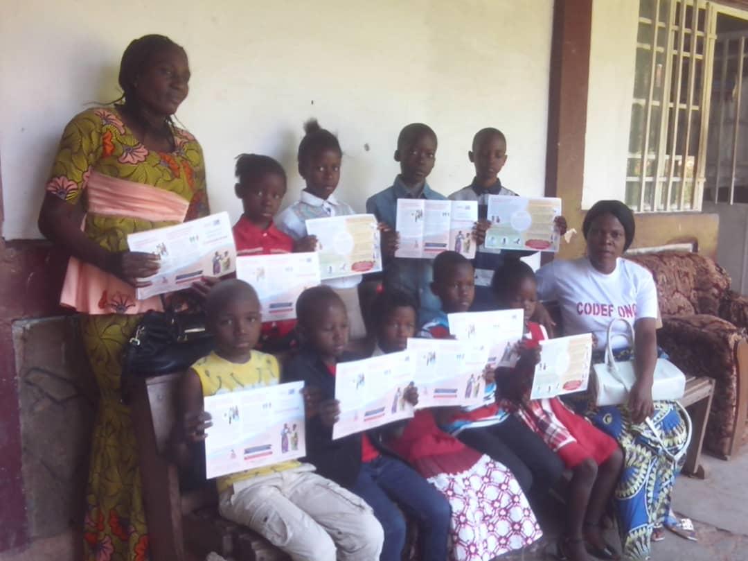 Kasaï-oriental : Remise des postes récepteurs pour appuyer le programme de l'éducation à Mbujimayi