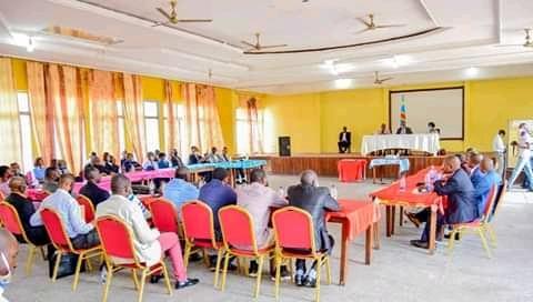 Kasai Oriental : le gouverneur Maweja clôture l'atelier sur la mise en place du cadre et structures de la fonction publique à Mbuji-Mayi