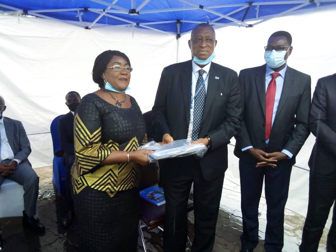 RDC/Éducation : avec l'appui de la banque mondiale, l'Unesco dote 4 ministres ayant en charge l'éducation des matériels informatiques