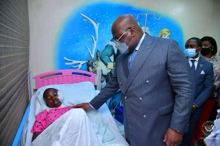 Kinshasa : Félix Tshisekedi au chevet des élèves du Lycée Bosangani victimes de l'accident de circulation de ce mardi