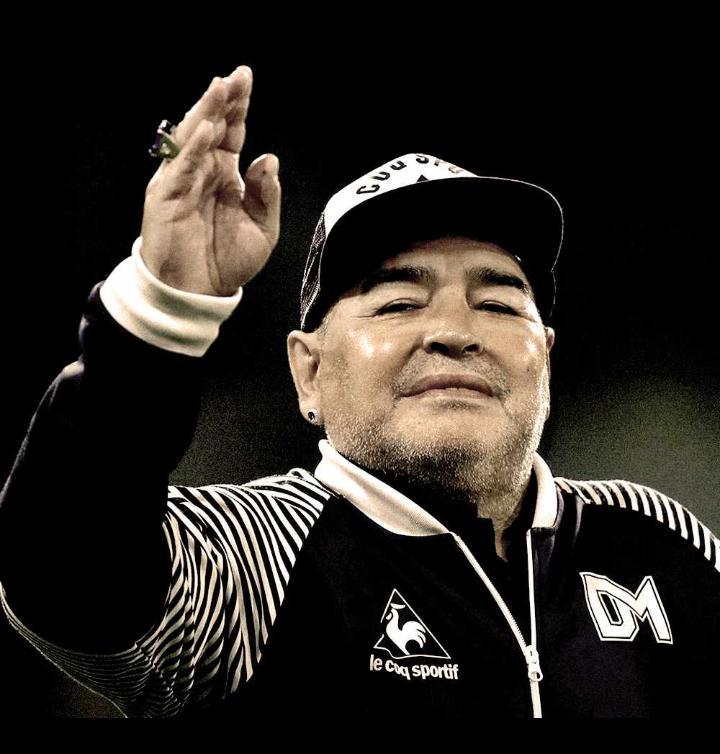 Football : Diego Maradona s'est éteint
