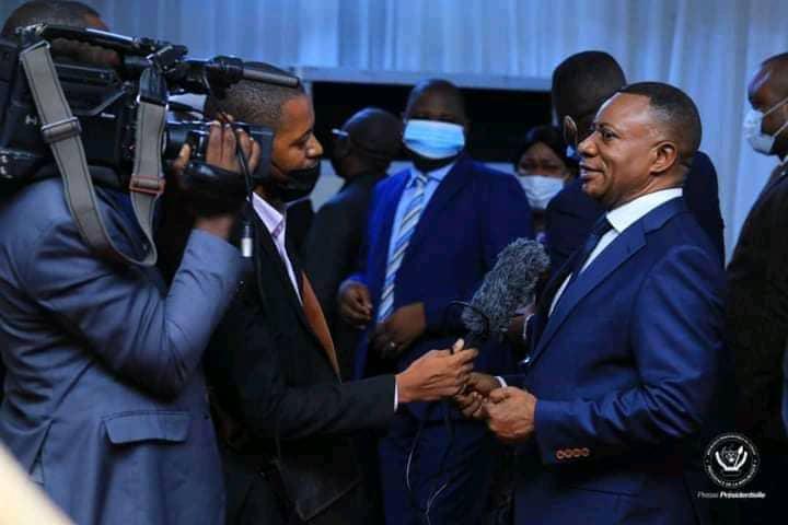"""Adhésion à l'Union sacrée : """"Ne vous sentez pas du tout gênés, vous n'avez trahi personne"""" (Félix Tshisekedi aux élus du FCC)"""