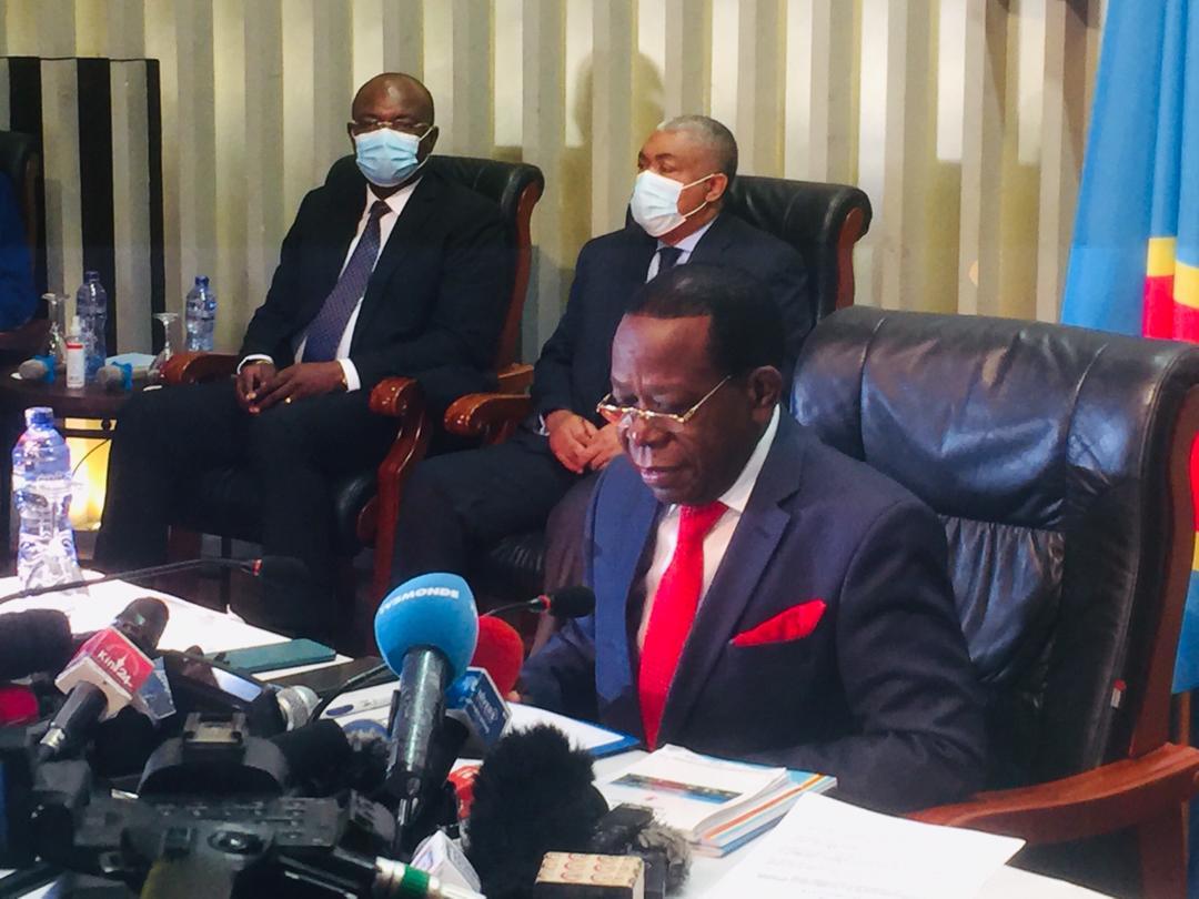 """Requalification de la nouvelle majorité : """"j'ai pris contact avec différentes forces politiques qui constituent le parlement"""" (Modeste Bahati Lukwebo)"""