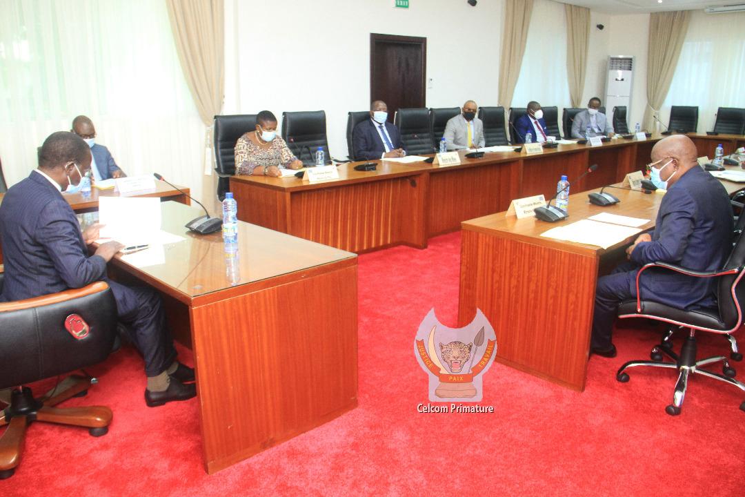 RDC : Le Comité de Conjoncture Economique note une légère dépréciation du taux de change du Franc Congolais par rapport au dollar américain