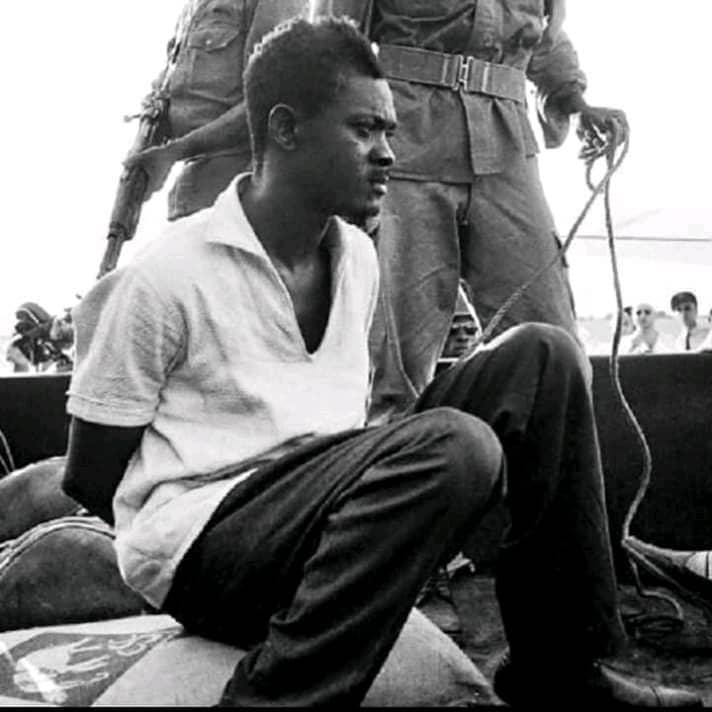 """""""Je préfère mourir la tête haute, la foi inébranlable et la confiance profonde dans la destinée de mon pays"""" (lettre de Lumumba à son épouse Pauline)"""
