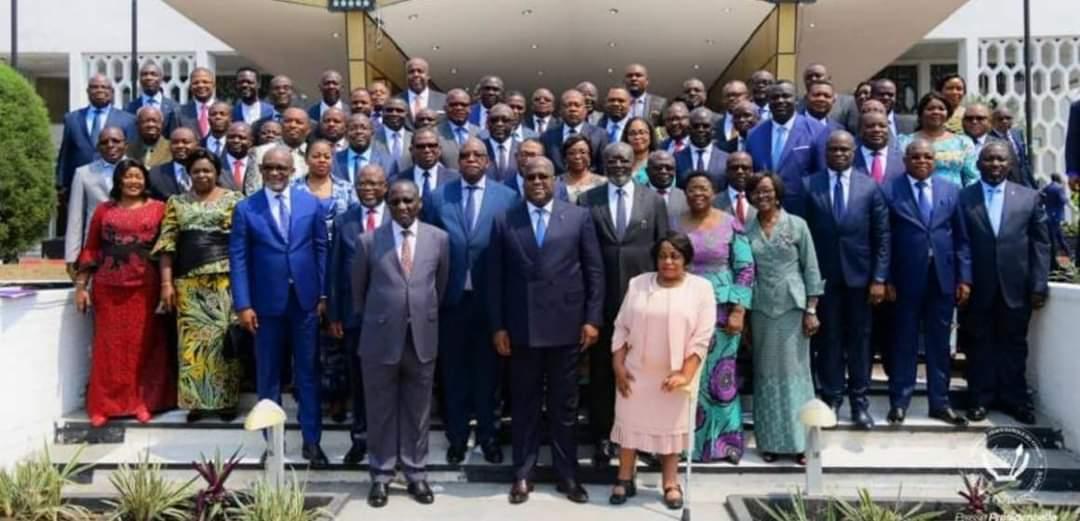 RDC : Les membres du gouvernement Ilumkamba envisagent une descente dans la rue pour réclamer leurs indemnités de sortie