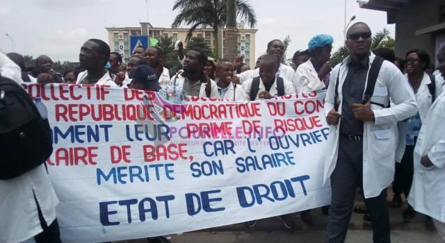 Santé : Frustrés, les médecins intensifient leur mouvement de grève