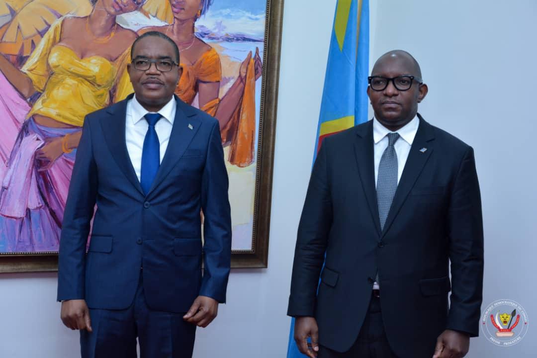 PRIMATURE : Des questions sécuritaires et socio-économiques au centre des échanges entre le Premier Ministre Jean-Michel Sama Lukonde  et le Gouverneur du Sud-Kivu Théo Ngwabidje