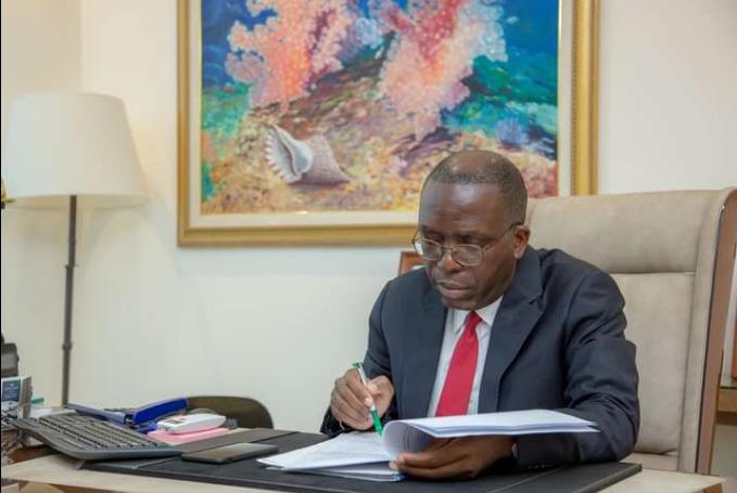 Sénat : « Les résultats préliminaires du test indiquent que nous avons été empoisonné » (Augustin Matata Ponyo)