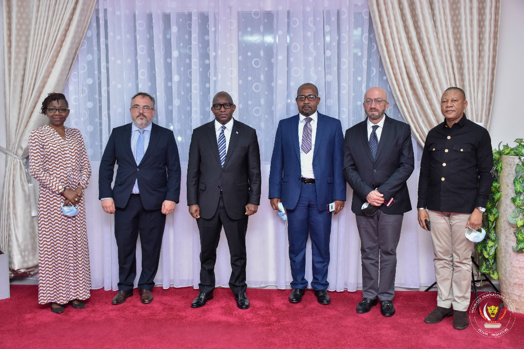 Primature : Le Premier Ministre Jean-Michel Sama Lukonde apporte son soutien au projet de mise en œuvre d'une connexion internet à bas prix pour les zones rurales de la RDC