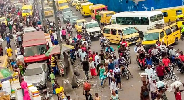 Kinshasa : Persistance des embouteillages à Tshangu malgré les sauts-de-mouton
