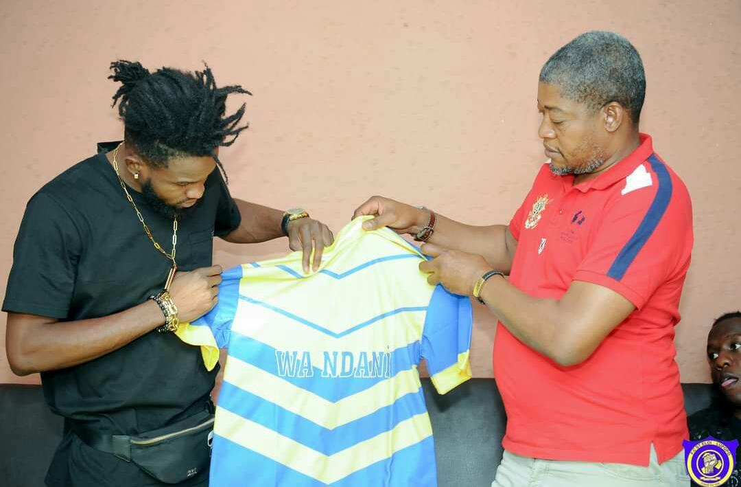 Foot/mercato : Dark Johns Kabangu signe officiellement au St Éloi Lupopo