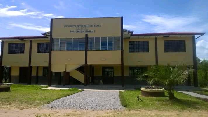 Kasaï Central : le recteur de l'Université Notre Dame du Kasaï appelle les étudiants en médecine au calme