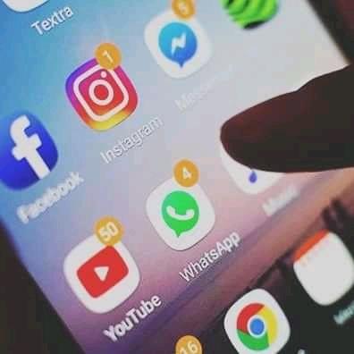 RDC : La vie difficile des congolais sans les réseaux sociaux Facebook, WhatsApp et Instagram !