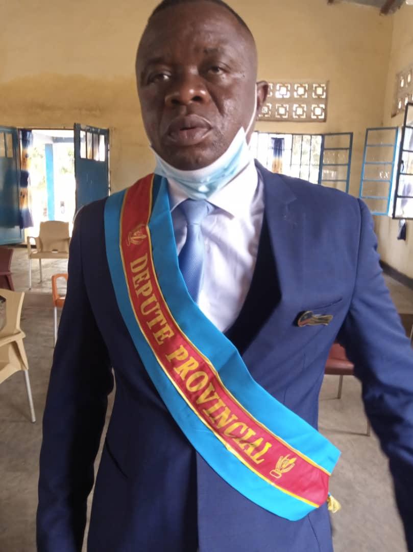 Nomination des animateurs à la DGRLO antenne de Mwene-ditu : le Député provincial Joseph Mbaya félicite les promus de l'UDPS