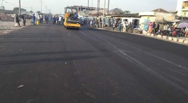 N'djili : Reprise des travaux de réhabilitation de la route menant vers Cecomaf